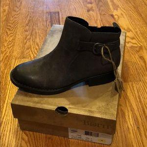 New in box, grey Born booties.